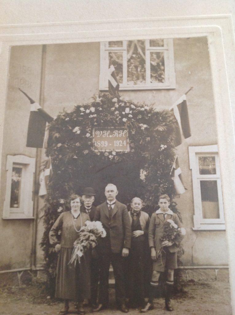 Ægteparret Hansen Due ved deres sølvbryllup i 1924