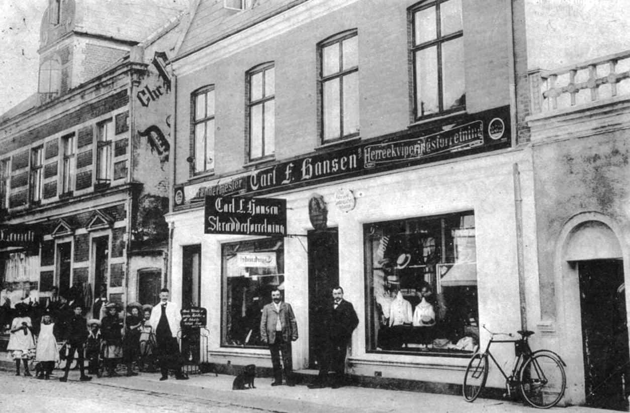 Vestergade 17 0g 19, ca. år 1910