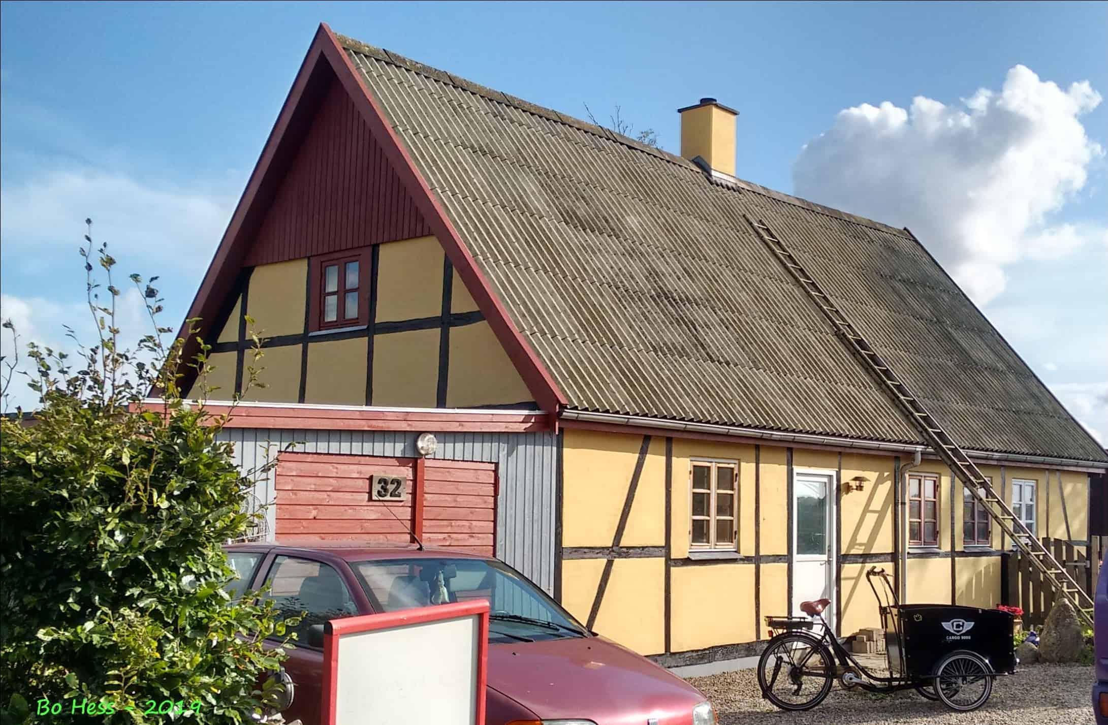 Første jordemoderbolig i Nørreballe, bygget ca. 1820. I dag smukt vedligeholdt.