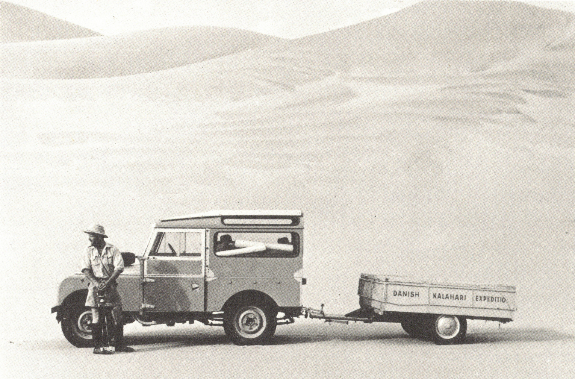 Danish Kalahari Expedition - Jens Bjerre på vej til San-folket i Kalahariørkenen i Sydvestafrika. Privatfoto.