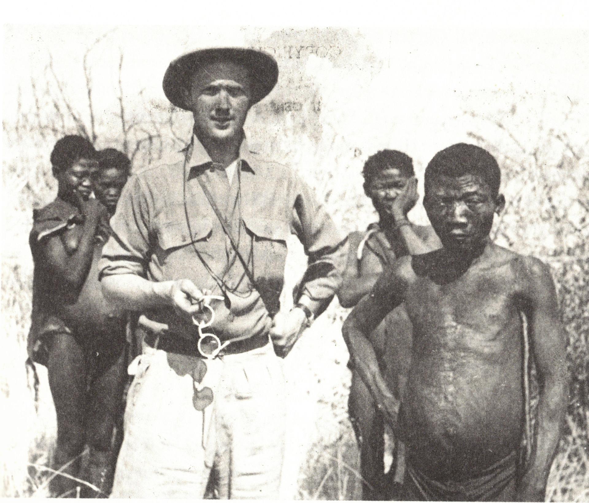 Jens Bjerre hos San-folket 1947. Han vendte tilbage og boede hos dem i flere måneder i 1957