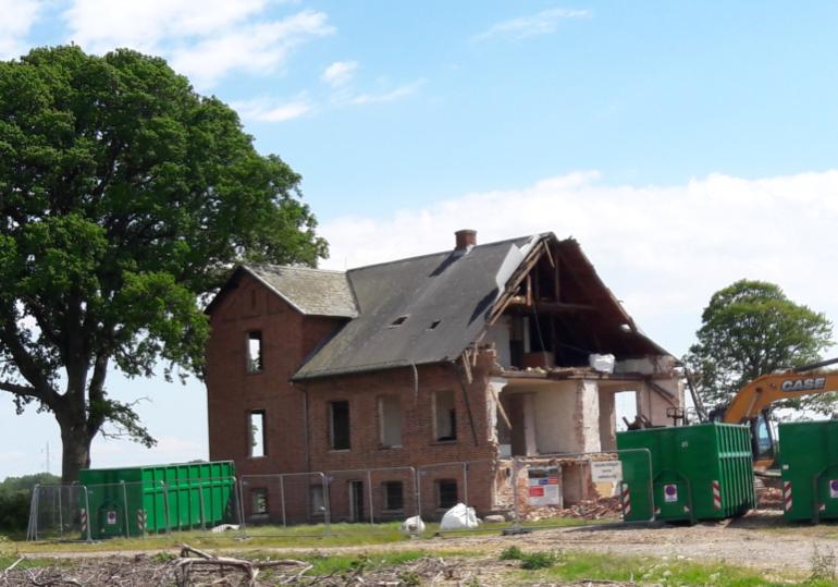 Nedrivning af hovedbygningen ved Maribo Ladegaard, 6. juni 2020